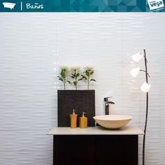 Baño Hove. #HomeVega #HomeVegaBanos #Estilos2014 #Griferia #Lavatorios #MueblesDeBanos