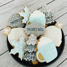 Biscuits décorés au glaçage royal assortis « winter » Photo And Video, Winter, Sweet, Instagram, Royal Icing, Decorated Sugar Cookies, Winter Collection, Winter Time, Candy