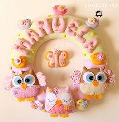 Felt Wreath for the Door Owl Crafts, Crafts For Kids, Arts And Crafts, Felt Name Banner, Felt Wreath, Felt Owls, Felt Baby, Felt Patterns, Felt Fabric