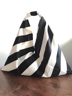 shopping bag shopper canvas bag beach bag bags and by piBase Triangle Bag, Origami Bag, Look Casual, Striped Bags, Craft Bags, Cotton Bag, Duffel Bag, Beautiful Bags, Summer Collection