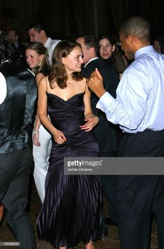 Young Natalie Portman x Natalie Portman, Golden Globe Award, Independent Films, Love Movie, Gal Gadot, Celebs, Celebrities, Marry Me, 90s Fashion