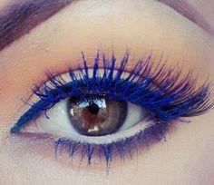 Il mascara blu