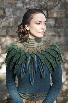 Knitting Patterns Wear Lapwing Collar patterncard knitwear design by Alice Starmore in pure wool Hebridean hand knitting ya… Knitting Projects, Knitting Patterns, Scarf Patterns, Knitting Tutorials, Stitch Patterns, Hand Knitting Yarn, Hand Knit Scarf, Finger Knitting, Knit Cowl