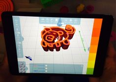 Kids designing in 3D in @MorphiApp at the District-wide Tech Fair tonight @WilletsRoadMS. #3dprinting #ipad #makerED