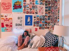 139 cute dorm rooms we're obsessing over right now -page 39 Cute Room Ideas, Cute Room Decor, Teen Room Decor, Deco Kids, Aesthetic Room Decor, Cute Dorm Rooms, Dream Rooms, Bedroom Ideas, Bedroom Inspo