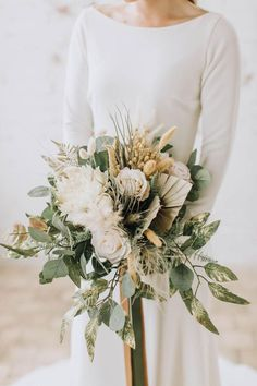 Pampas grass and eucalyptus bouquet for boho brides, spring and summer weddings 2020 trends. Gold Bouquet, Gold Wedding Bouquets, Boho Wedding Flowers, Bride Bouquets, Bridesmaid Bouquet, Floral Wedding, August Wedding Flowers, Fern Bouquet, Artificial Wedding Bouquets