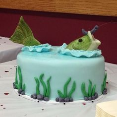 Pin for Later: Creative and Quirky Groom Cakes A Fisherman's Dream If his ideal Saturday is spent fishing, consider a cake like this one. Fish Cake Birthday, Birthday Cakes For Men, Fisherman Cake, Dad Cake, Star Cakes, Cute Cakes, Creative Cakes, Celebration Cakes, Themed Cakes