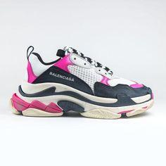 huge discount 9a893 538e9 Balenciaga Triple S Sneaker Pink