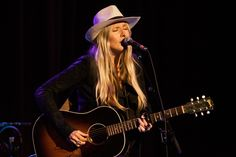 Watch Holly Williams Perform Love Letter to Her Grandparents | Rolling Stone