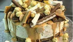 Cheesecake topped with Daim, Ferrero Rocher, KitKat, Kinder eggs Cupcake Cookies, Cupcakes, Posh Nosh, Ferrero Rocher, Cheesecakes, Birthday Cakes, Tiramisu, Food Ideas, Eggs