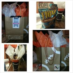 Would go great for the kids' trip to the parade! Cheer Treats, Cheer Gifts, Cheer Mom, Team Gifts, Cheer Stuff, Cheer Spirit, Spirit Gifts, Football Cheer, Football Stuff