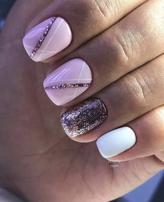 False nails have the advantage of offering a manicure worthy of the most advanced backstage and to hold longer than a simple nail polish. The problem is how to remove them without damaging your nails. Love Nails, Pink Nails, Pretty Nails, My Nails, Nails 2017, Sparkle Nails, Fall Nails, Glitter Nails, Acrylic Nail Designs