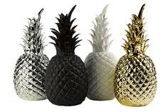 Ananas doré de Polspotten en porcelaine, objet à poser sur un meuble, il est fabriqué de façon artisanale et livré dans une très jolie boite cadeau Expédié dans 48h...En stock