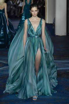 Zuhair Murad at Couture Spring 2019 - Zuhair Murad at Couture Spring 2019 – Runway Photos - Fashion Week, Look Fashion, Runway Fashion, High Fashion, Fashion Show, Fashion Design, Cheap Fashion, Gothic Fashion, Beautiful Gowns
