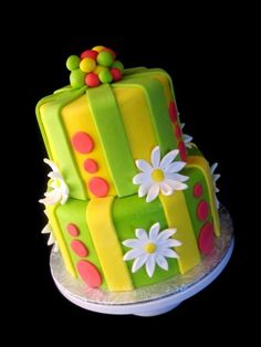 Torte di compleanno in pasta di zucchero