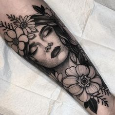 50 Ideas body art flowers inspiration for 2019 Cute Tattoos, Leg Tattoos, Beautiful Tattoos, Body Art Tattoos, Sleeve Tattoos, Maori Tattoos, Gypsy Tattoos, Tattoo Ink, Realism Tattoo