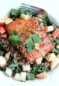 Quinoa & Roasted Salmon Salad for Runners - Washington D.C. area Registered Dietitian | Recipes + Healthy Living
