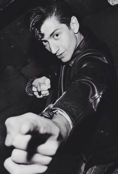 """He's pointing at me and saying """"Thatls my girrrrl! Alex Turner, Arctic Monkeys, Sheffield, 5sos, The Wombats, Indie, The Last Shadow Puppets, Bae, Jamie Campbell Bower"""