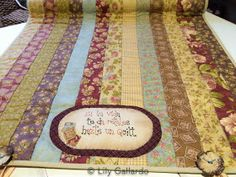 ENTRELAZOS, de tela y amistad.: RENOVAR ... SE ... Picnic Blanket, Outdoor Blanket, Boro, Painted Furniture, Patches, Quilts, Rugs, My Love, Crafts