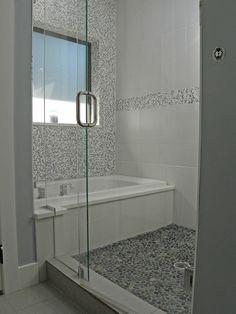 Un bain dans la douche, fini l'essuyage de murs et planchers après le bain des enfants et je peux me laver pendant qu'ils sont dans le bain :D