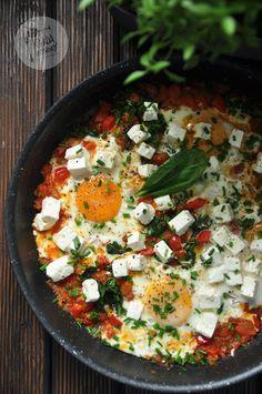Szakszuka z fetą i szpinakiem Diet Recipes, Snack Recipes, Healthy Recipes, Healthy Food, Eat Happy, Polish Recipes, Good Food, Food And Drink, Favorite Recipes