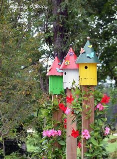 Looking for decorating ideas for the garden? Check these 20 DIY garden decor ideas that will surely increase the beauty of your garden. Hunting is more your hobby DIY garden decor idea details. Diy Garden Decor, Garden Art, Garden Design, Garden Ideas, Birdhouse Designs, Birdhouse Ideas, Birdhouses, Casa Do Rock, Diy Hanging Planter