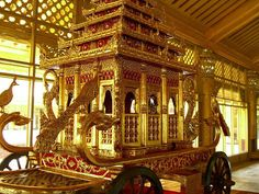 The royal carriage in Kanbawthardi Golden Palace, Bago, Myanmar [formerly, Burma] (photo by paul_ark). Museum Hotel, Horse Drawn, Bago, Beautiful Horses, Traditional Art, Asian Art, Beautiful World, Transportation, Antiques