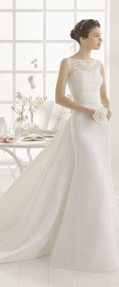 gefunden bei HAPPY BRAUTMODEN Brautkleid Hochzeitskleid elegant edel spanisch Aire Barcelona fließender Rock Spitze