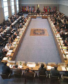 """OSCE Lança projeto para restruturar """"confiança ucraniana"""" no país."""