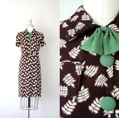 1930s Brown Summer Day Dress - Green Bow & Buttons White Botanical Print