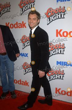 Photos and Pictures - Actor JUDE LAW at the Los Angeles premiere of his new movie Cold Mountain. December 7, 2003  Paul Smith / Featureflash