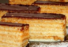 Hatlapos krémes sütemény Thing 1, Hungarian Recipes, Vanilla Cake, French Toast, Cooking Recipes, Sweets, Snacks, Cookies, Breakfast