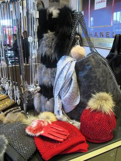 Some gorgeous winter pieces in the Spa Boutique today from Simone Markham #popups #boutique