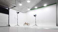 Cyclorama (Infinity Wall) Studio for photography + film. www.newdaystudio.nl