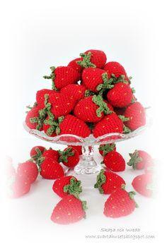 Crochet Animals, Crochet Toys, Ravelry, Raspberry, Strawberry, Amigurumi Tutorial, Easy Crochet Patterns, Crochet Ideas, Amigurumi Toys