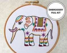Hand Embroidery Kits Jewellery Gifts & Home от TheEmbroideryCart Diy Embroidery Kit, Embroidery Hearts, Hand Work Embroidery, Modern Embroidery, Embroidery For Beginners, Floral Embroidery, Embroidery Patterns, Craft Kits, Diy Kits