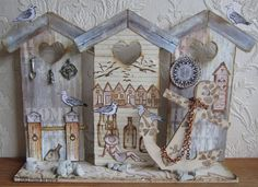 Made by Myra. with love: Strandhuisjes/beachhouses 3d Paper Crafts, Needle Book, Vintage Bottles, Craft Box, Little Houses, Mixed Media Art, Sculpture Art, The Hamptons, Scrap