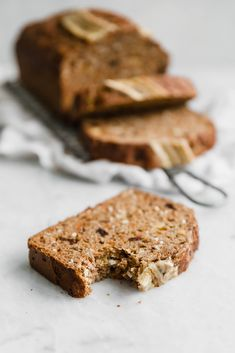 A super moist carrot cake banana bread made with coconut, carrots, cinnamon Quick Bread Recipes, Dog Treat Recipes, Baking Recipes, Dessert Recipes, Desserts, Carrot Banana Cake, Moist Carrot Cakes, Banana Bread, Carrot Cake Bread