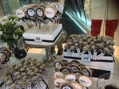 H&M sweet table