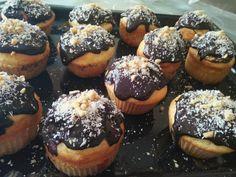 Çikolata Soslu Muffin Kek Muffin, Cupcake, Breakfast, Food, Pasta, Cakes, Morning Coffee, Cake Makers, Cupcakes