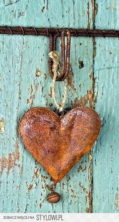 Old rusty metal heart. Heart In Nature, Heart Art, I Love Heart, My Love, Happy Heart, Rusty Metal, Turquoise, Aqua, Be My Valentine