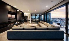 geräumiges Wohnzimmer dach terrasse Verglaste wand schiebeelemente