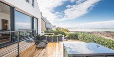Villa Sterenn ist eine Ferienhaus für einen Aufenthalt in der Bretagne. Kontaktieren Sie uns unter +336 33 64 73 97 zu reservieren Sie Ihre Haus am Wasser.