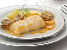Receta de Merluza a la sidra con almejas Pescado Recipe, Fish Recipes, Mexican Food Recipes, Spanish Cuisine, Tasty, Yummy Food, Cooking Recipes, Healthy Recipes, Fish And Seafood