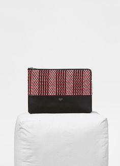 Solo clutch pouch in textile and smooth lambskin - セリーヌについて