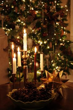 Candle Glow.  #christmas  #decorations  #decor  #candles  #holiday  #holidays