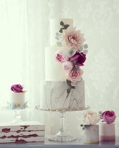 chic wedding cake; Featured Cake: Cotton & Crumbs