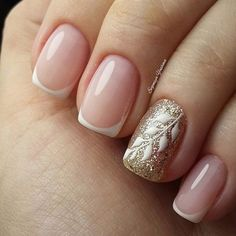 New french manicure designs sparkle ring finger Ideas French Nails, Glitter French Manicure, French Manicure Designs, Nail Art Designs, Love Nails, Pretty Nails, Fun Nails, Nailed It, Nagel Blog