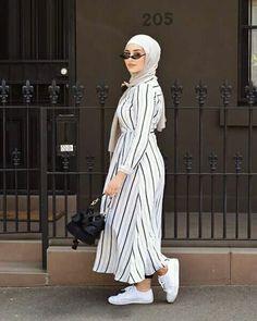 Pin by yuagafonva on image, hijab and muslim хиджаб платье, Modest Fashion Hijab, Modern Hijab Fashion, Muslim Women Fashion, Hijab Fashion Inspiration, Islamic Fashion, Hijab Chic, Abaya Fashion, Fashion Outfits, Hijab Fashionista