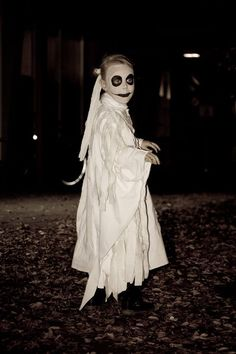 homemade ghost costume ideas pinterest ghost costumes ghost costume solutioingenieria Choice Image